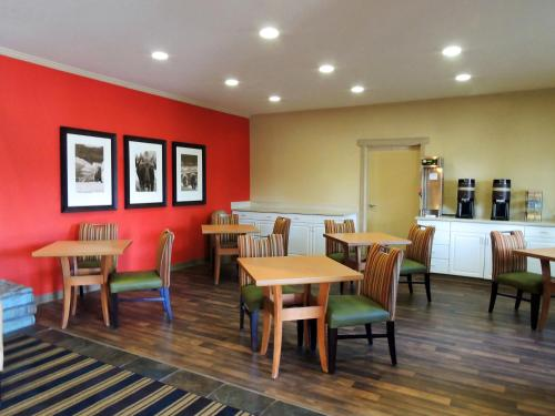 Extended Stay America - Fairbanks - Old Airport Way - Fairbanks, AK 99801