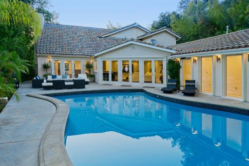 Elisa Estate The Only L.A Experience - Encino, CA 91436