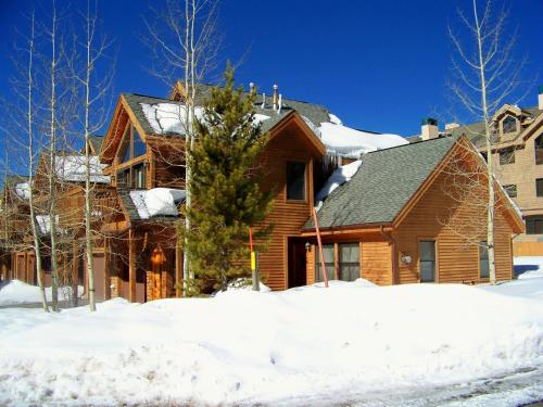 Snake River Village Townhomes (B&B)