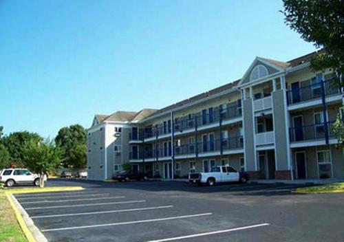 Stay Suites of America - Orange Park Photo