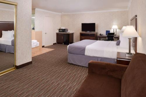 Best Western Redondo Beach Galleria Inn Photo