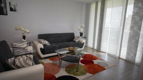 Beautiful furnished 1B/15 apt with ocean view!