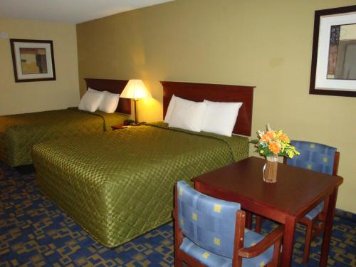 Baymont Inn & Suites - Chocowinity/Washington Area Photo