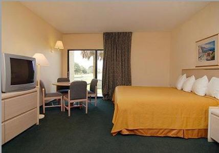 Quality Inn and Suites Golf Resort Photo