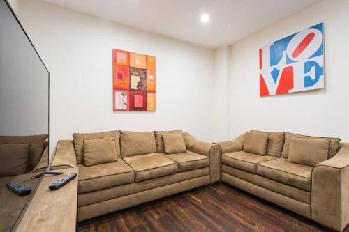 Newly remodeled 4 bedroom 3 bath modern Home. - Los Angeles, CA 90005
