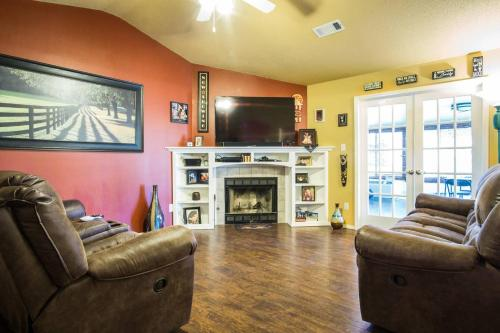 Three Bedroom House Close to Everything