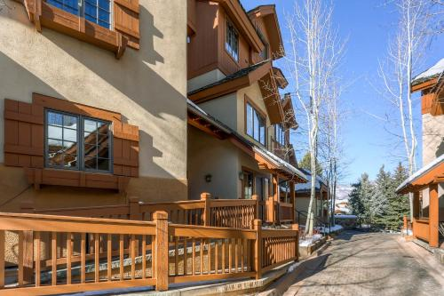 Arrowhead Village Townhomes C9