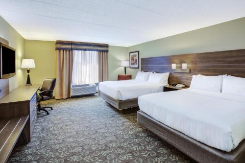 Holiday Inn Express Hotel & Suites Fort Wayne Photo