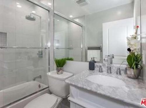 Beverly Hills/WEHO 4BD with Heated Pool & Jacuzzi - Los Angeles, CA 90048