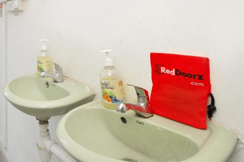 RedDoorz Hostel near Boon Keng MRT photo 5