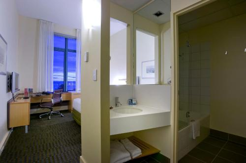 Novotel Melbourne St Kilda photo 11