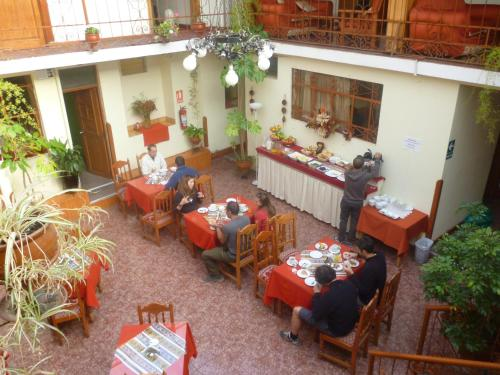 Hostal Monarca Photo