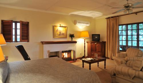 Coach House Hotel & Spa Photo