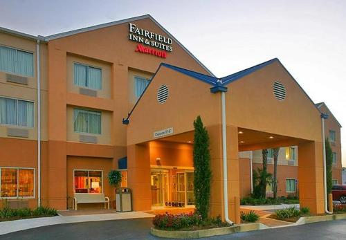 Fairfield Inn Suites Brunswick Photo