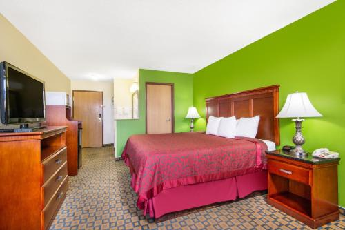 Days Inn & Suites Wichita Photo