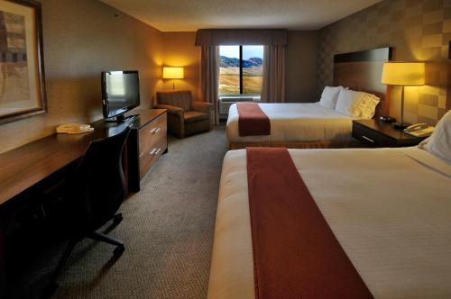Holiday Inn Express Hotel & Suites Littleton Photo