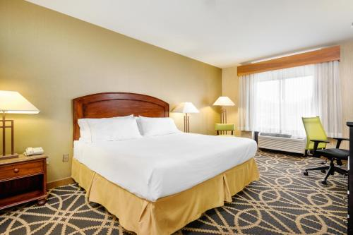 Holiday Inn Express Boone Photo