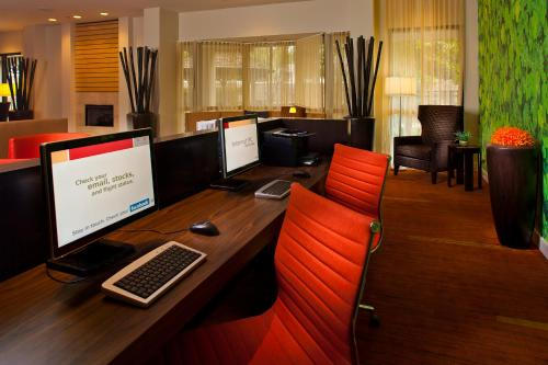 Courtyard By Marriott New Orleans Metairie - Metairie, LA 70001