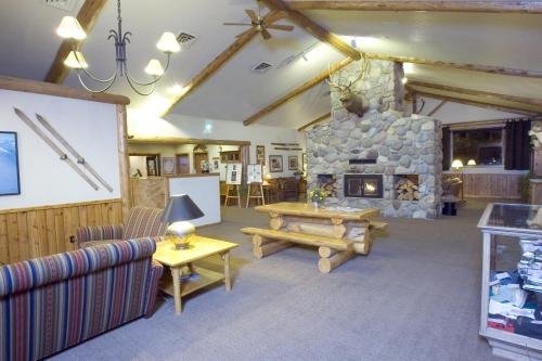 Bucks T-4 Lodge Photo