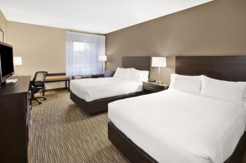 Holiday Inn Express Detroit-Warren/General Motors Technology Center Photo