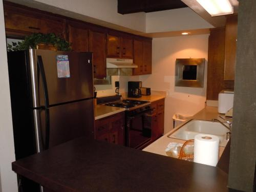 Two-Bedroom Deluxe Unit #66 by Escape For All Seasons - Big Bear Lake, CA 92315