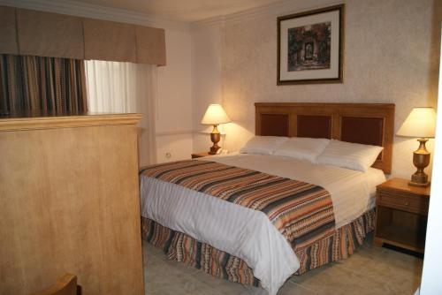 Hotel Savoy Express Torreon Photo