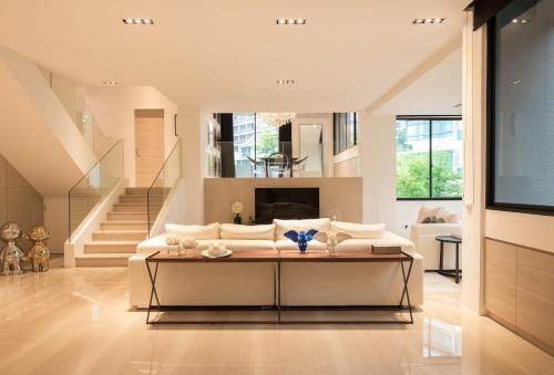 4br Orchard Opulent by guesthouse, Singapore