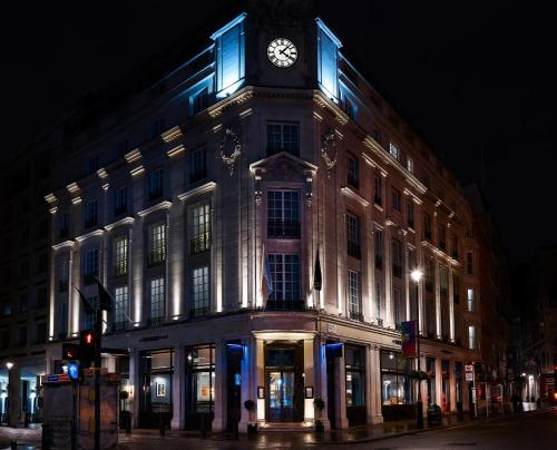 The Trafalgar St. James, London Curio collection by Hilton photo 50