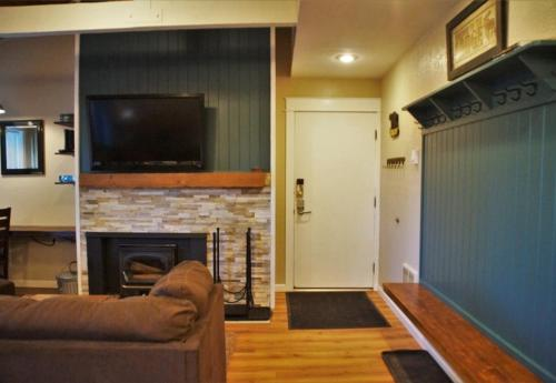 Family-Friendly Bigwood Beauty #394 - Mammoth Lakes, CA 93546
