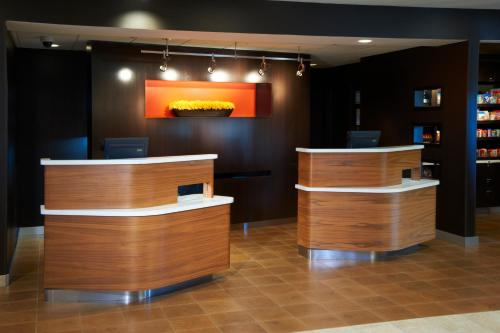 Courtyard By Marriott Rockford - Rockford, IL 61108