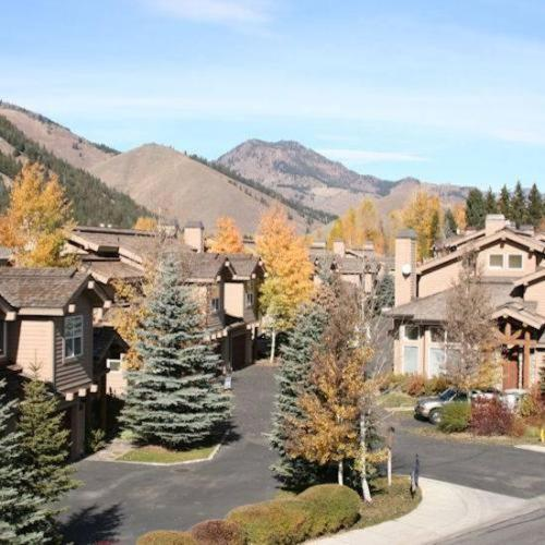 Photo of River Ridge by ResortQuest Hotel Bed and Breakfast Accommodation in Sun Valley Idaho