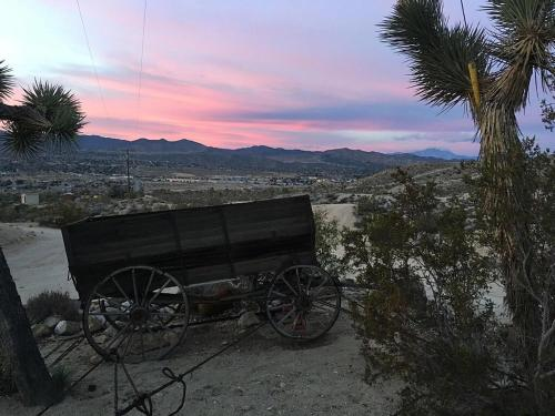 Jenny's Dream Home - Yucca Valley, CA 92284
