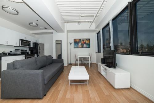 Hollywood Fancy Apartment - Los Angeles, CA 90028