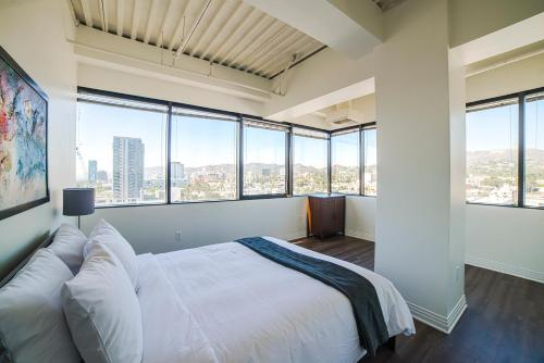 California Jewel Apartment - Los Angeles, CA 90028