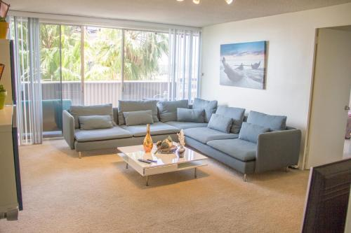Luxury 2B&2BT Apartment with Ocean View - Los Angeles, CA 90025
