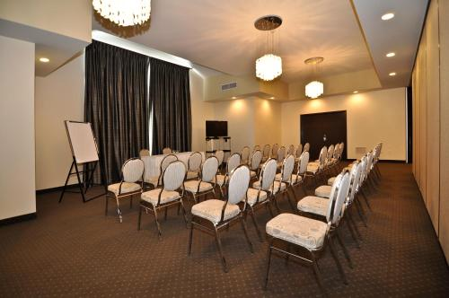 Best Western Liverpool Hotel and Conference Centre Photo