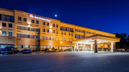 Best Western Plus Reading Inn & Suites Photo
