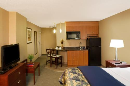 Travelodge Oshawa Photo