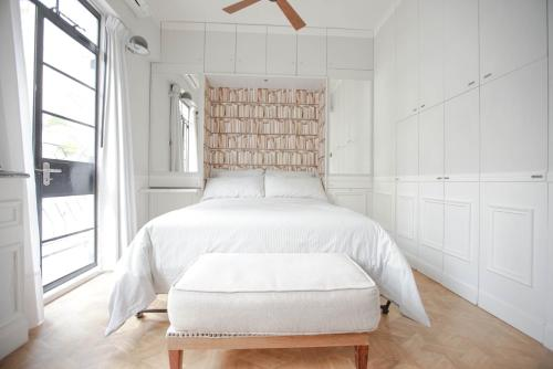 French - style cozy suite in POHO, 香港