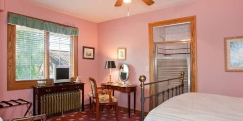 Bacon Mansion Bed and Breakfast Photo