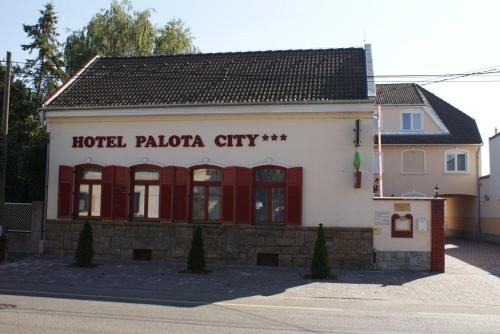 Hotel Palota City