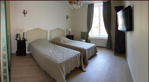 hotel chambres d 39 h tes ch teau de damigny bayeux desde 88 rumbo. Black Bedroom Furniture Sets. Home Design Ideas
