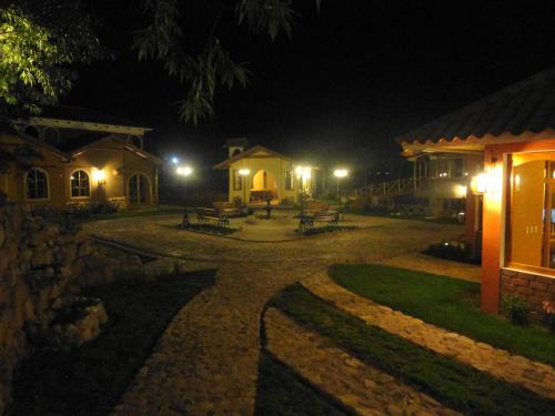 Hotel Pisonay Pueblo Photo