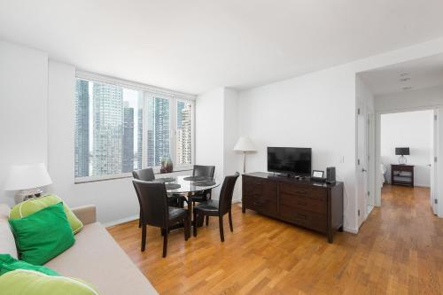 Amazing Apartment- Walking Distance to Times SQ photo 46