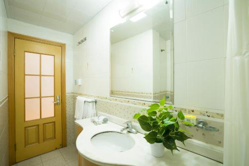 Nanjing west road boutique apartment photo 75