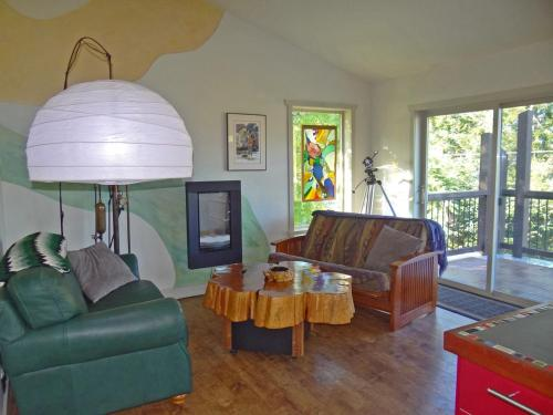 The Gallery House at Port Renfrew Photo