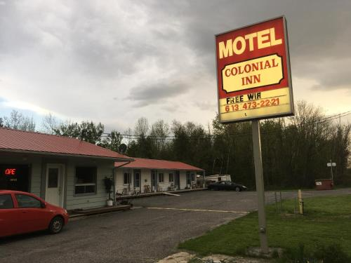 Colonial Inn Motel Photo