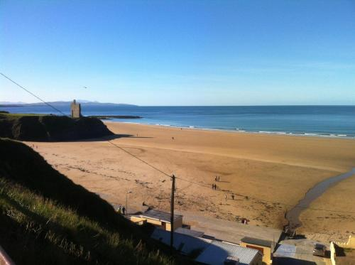 Photo of Seacrest Budget Accommodation Hotel Bed and Breakfast Accommodation in Ballybunion Kerry