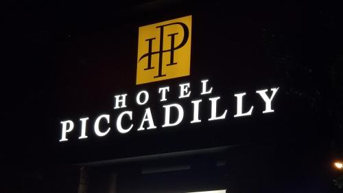 Hotel Piccadilly Photo
