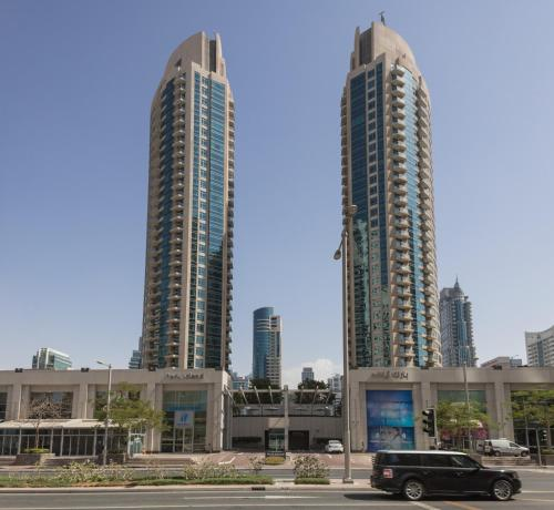 Hometown Apartments - Lovely and bright 1 Bedroom with Patio, Dubai